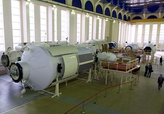 Simulacro del modulo Nauka usato per l'addestramento al Gagarin Cosmonaut Training Center nel 2012 (Foto NASA/Carla Cioffi)