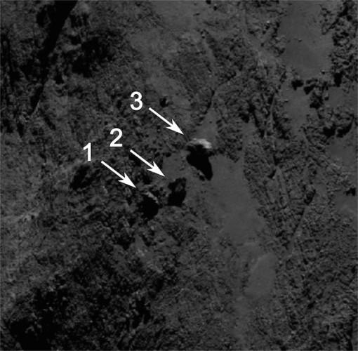 Foto delle rocce in equilibrio scattata dalla macchina fotografica OSIRIS della sonda spaziale Rosetta il 16 settembre 2014 (Immagine ESA/Rosetta/MPS for OSIRIS Team MPS/UPD/LAM/IAA/SSO/INTA/UPM/DASP/IDA)