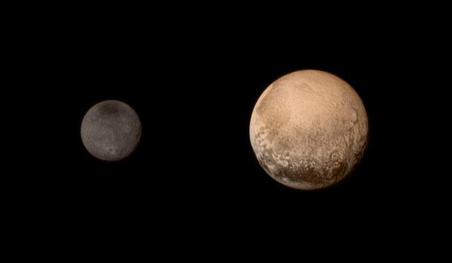 Plutone e Caronte fotografati dalla sonda spaziale New Horizons l'11 luglio 2015 (Foto NASA-JHUAPL-SWRI)