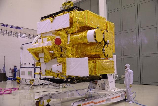 Ispezione dell'osservatorio spaziale Astrosat prima del lancio (Foto cortesia ISRO. Tutti i diritti riservati)