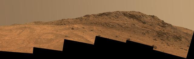 Immagine di Hinners Point, un'area di Marathon Valley, ottenuta combinando sei fotografie scattate dal Mars Rover Opportunity (Immagine NASA/JPL-Caltech/Cornell Univ./Arizona State Univ.)