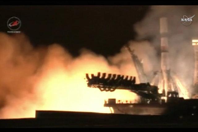Il cargo spaziale Progress MS-2 al momento del decollo su un razzo vettore Soyuz 2.1a (Immagine NASA TV)