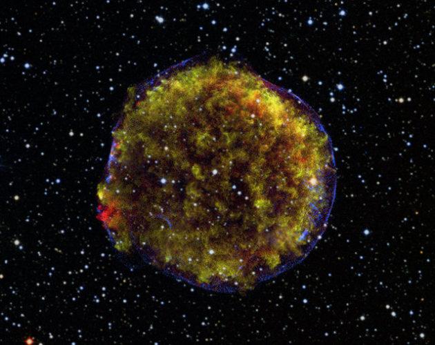 Immagine dei resti della supernova Tycho (X-ray: NASA/CXC/GSFC/B. Williams et al; Optical: DSS; Radio: NSF/NRAO/VLA)
