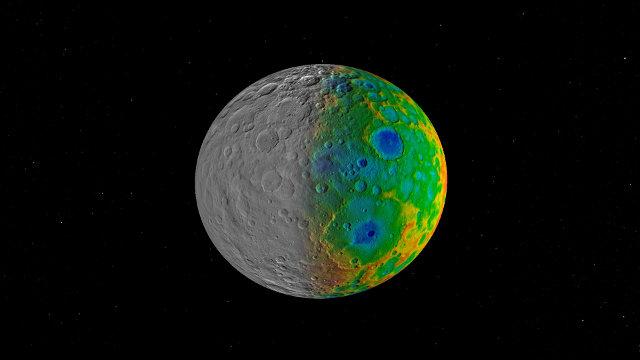Mappa visibile (sulla sinistra) e topografica (sulla destra) del pianeta nano Cerere (Immagine NASA/JPL-Caltech/SwRI)