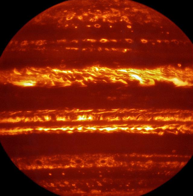 Giove visto agli infrarossi dal VLT (Immagine ESO/L. Fletcher)