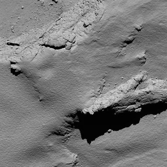 Una delle ultime fotografie inviate da Rosetta (Immagine ESA/Rosetta/MPS for OSIRIS Team MPS/UPD/LAM/IAA/SSO/INTA/UPM/DASP/IDA)