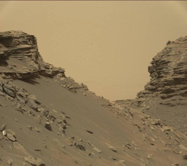 Butte e rocce stratificate nel Murray Buttes (Immagine NASA/JPL-Caltech/MSSS)
