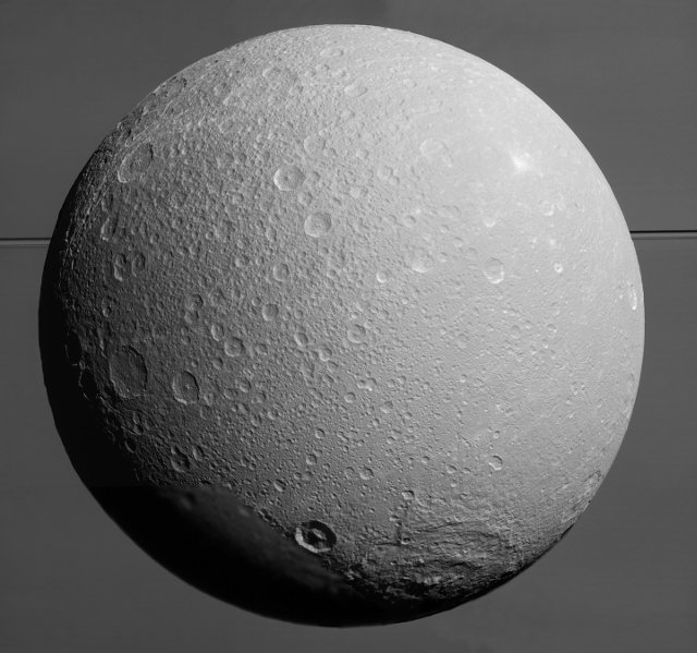 Dione (Immagine NASA/JPL-Caltech/Space Science Institute)