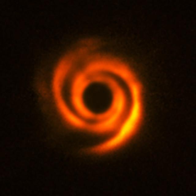 Il sistema di HD 135344B (Immagine ESO, T. Stolker et al.)