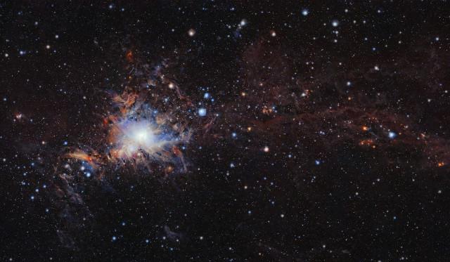 Una vista d'insieme della nube molecolare di Orione A (Immagine ESO/VISION survey)