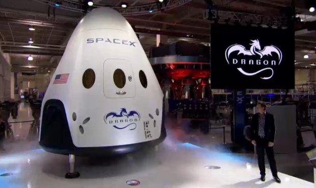 La navicella spaziale Dragon V2 presentata da Elon Musk (Foto cortesia SpaceX)