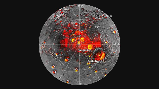 Polo nord di Mercurio. In rosso le aree in ombra, in giallo il ghiaccio (Immagine Altimeter Built at Goddard Helped Identify Ice on Mercury | NASA)