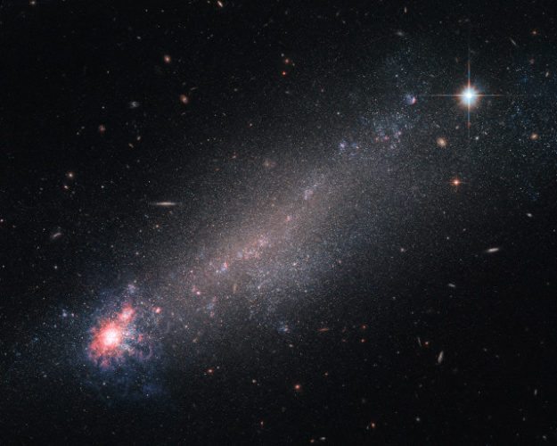 NGC 4861 (Immagine ESA/Hubble & NASA)