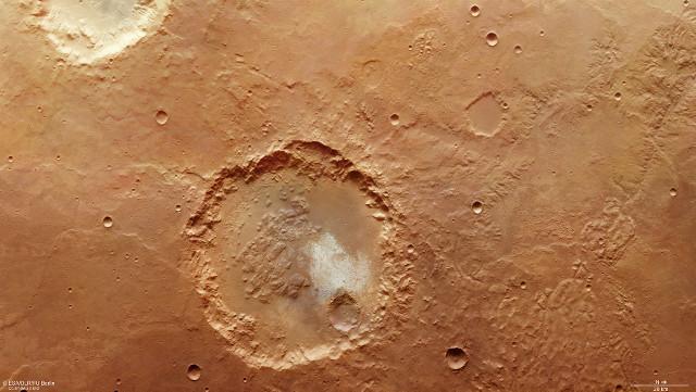 L'area di Margaritifer Terra ed Erythraeum Chaos con il grande cratere (Immagine ESA/DLR/FU Berlin, CC BY-SA 3.0 IGO)