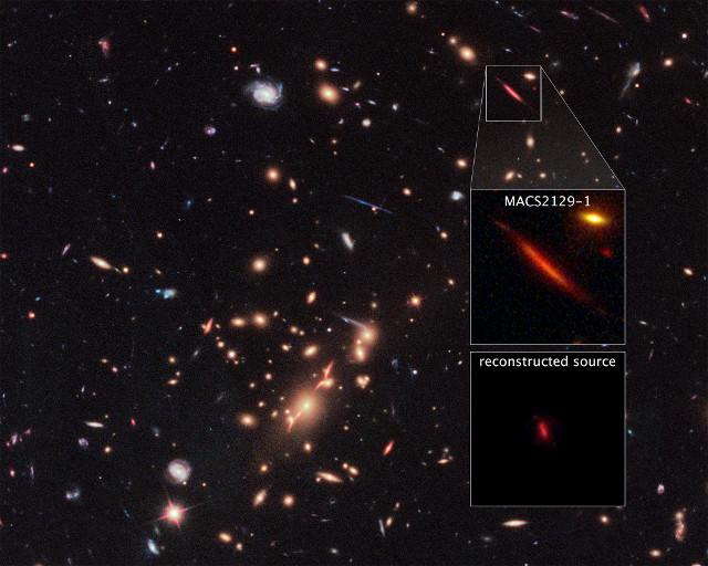 L'ammasso MACS J2129-0741 e la galassia MACS2129-1 (Immagine NASA, ESA, and S. Toft (University of Copenhagen), M. Postman (STScI), and the CLASH team)