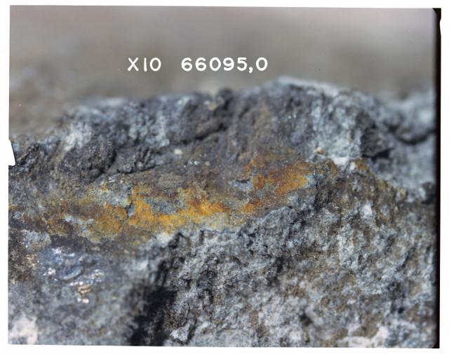 Ingrandimento della ruggine di Rusty Rock (Foto NASA)