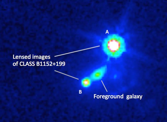 L'effetto di lente gravitazionale visto dal telescopio spaziale Hubble (Immagine Mao et al., NASA)