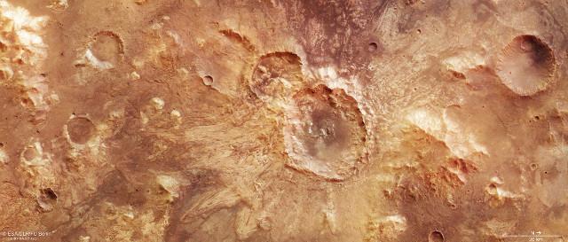 Cratere a nord di Hellas Planitia (Immagine ESA/DLR/FU Berlin, CC BY-SA 3.0 IGO)