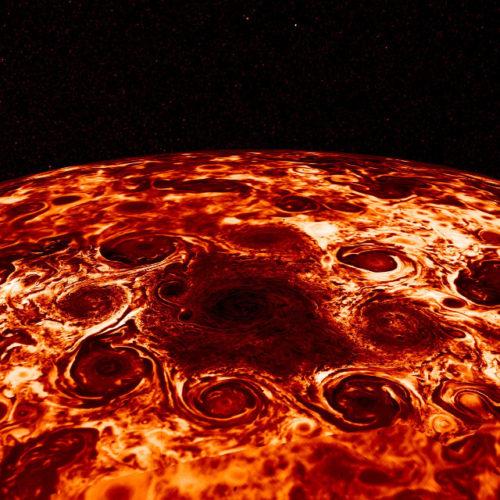 I cicloni al polo nord di Giove (Immagine NASA/JPL-Caltech/SwRI/ASI/INAF/JIRAM)