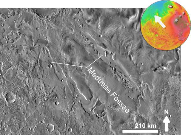 La Formazione delle Medusae Fossae vista dal Mars Odyssey. Marte basato sui dati dello strumento MOLA (Immagine NASA / Chmee2)
