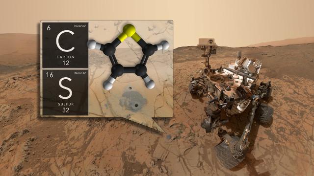 Il Mars Rover Curiosity e due elementi rilevati (Immagine NASA/GSFC)