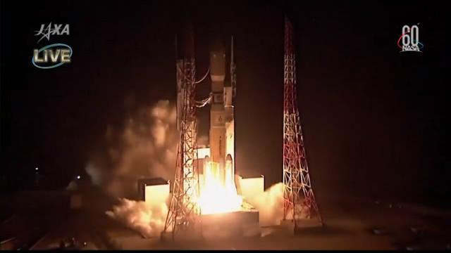 Il cargo spaziale HTV-7 al decollo su un razzo H-IIB (Immagine NASA TV / JAXA)