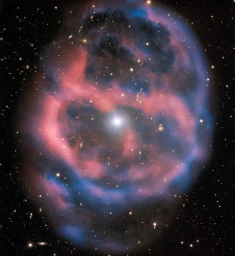 La nebulosa planetaria ESO 577-24 vista in tutto il suo splendore dal Very Large Telescope