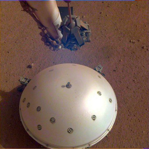 Un possibile terremoto rilevato su Marte dal lander InSight