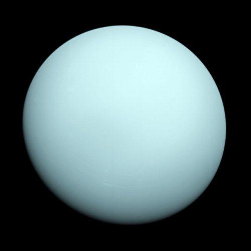 Urano visto dalla sonda spaziale Voayger 2 (Immagine NASA/JPL-Caltech)