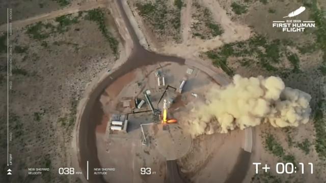 Il razzo New Shepard al decollo (Immagine cortesia Blue Origin)