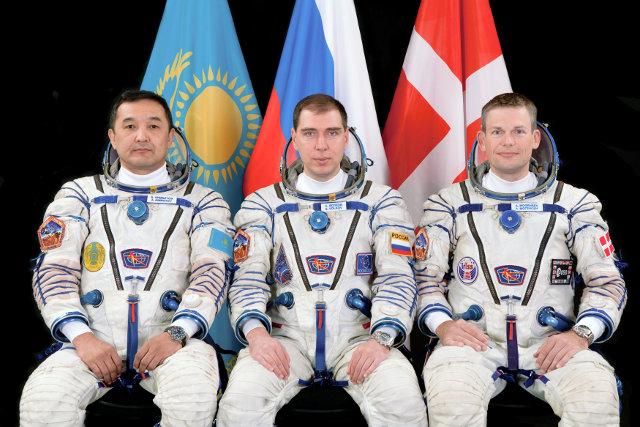 Aidyn Aimbetov, Sergey Volkov e Andreas Mogensen (Foto NASA)