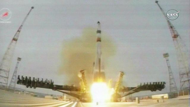 La navicella spaziale Progress MS-1 al decollo su un razzo vettore Soyuz 2.1a (Immagine NASA TV)