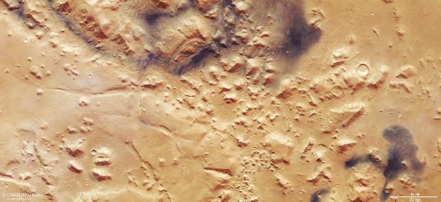 Le Nili Fossae (Immagine ESA/DLR/FU Berlin, CC BY-SA 3.0 IGO)