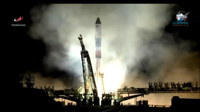 Il cargo spaziale Progress MS-10 al decollo su un razzo Soyuz FG (Immagine NASA TV)