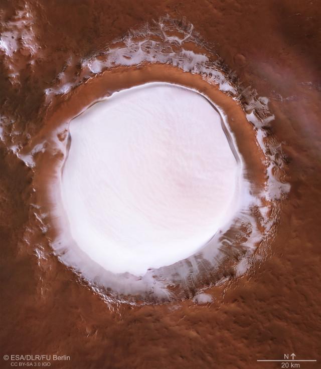 Il cratere Korolev (Immagine ESA/DLR/FU Berlin, CC BY-SA 3.0 IGO)
