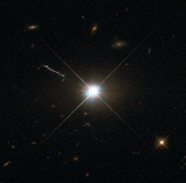 Il quasar 3C 273 (Immagine ESA/Hubble & NASA)