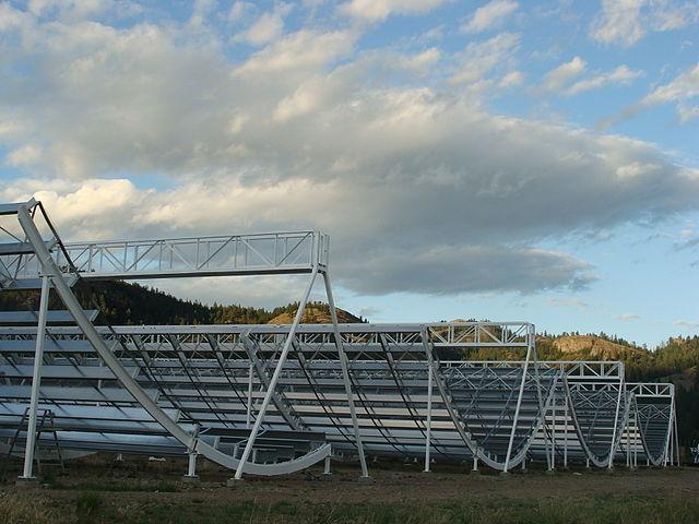 Le antenne del radiotelescopio CHIME (Foto Mateus A. Fandiño)