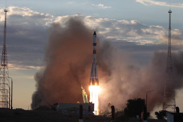 Il cargo spaziale Progress MS-15 decolla su un razzo vettore Soyuz 2.1a (Foto cortesia Roscosmos)