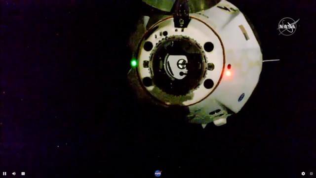 La navicella spaziale Crew Dragon Endeavour lascia la Stazione Spaziale Internazionale (Immagine NASA)