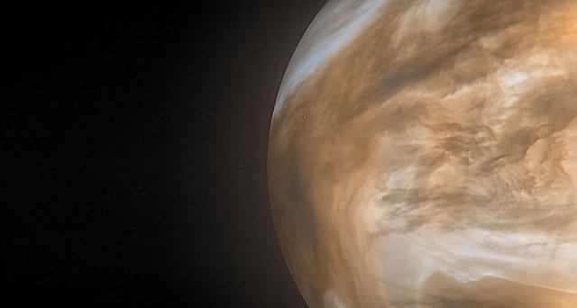 Il lato notturno di Venere visto dalla sonda spaziale Akatsuki (Immagine cortesia JAXA / ISAS / DARTS / Damia Bouic)