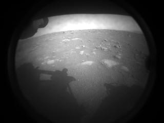 La prima immagine di Marte catturata dal Mars Rover Perseverance (Foto NASA/JPL-Caltech)