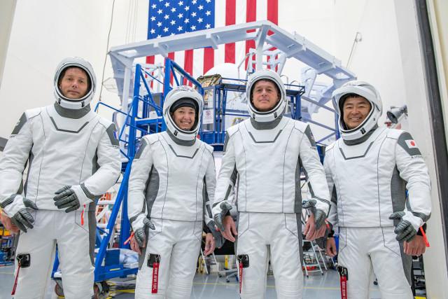 Thomas Pesquet, Megan McArthur of NASA, Shane Kimbrough e Akihiko Hoshide (Foto cortesia SpaceX)