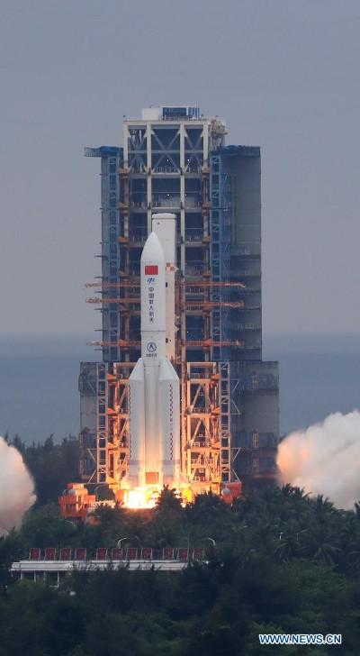 Il modulo Tianhe decolla su un razzo vettore Long March 5B Y2 (Foto cortesia Xinhua/Zhang Liyun)