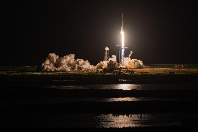 La navicella spaziale Crew Dragon Resilience al decollo nella missione Inspiration4 (Foto cortesia Inspiration4 / John Kraus)