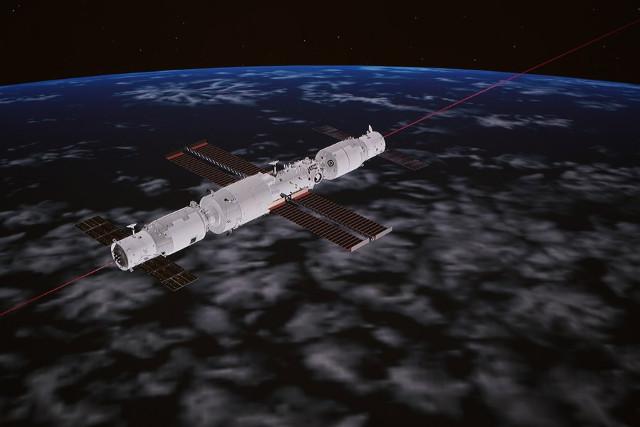 Una schermata di un'animazione del Centro di Controllo Aerospaziale di Pechino che mostra il cargo spaziale Tianzhou 3 mentre attracca al modulo Tianhe