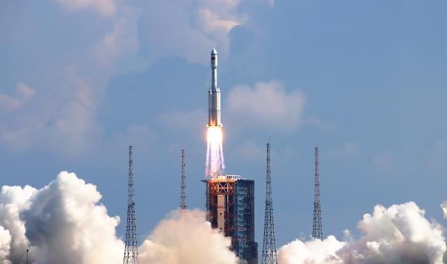 Il cargo spaziale cinese Tianzhou 3 al decollo (Foto cortesia CASC)