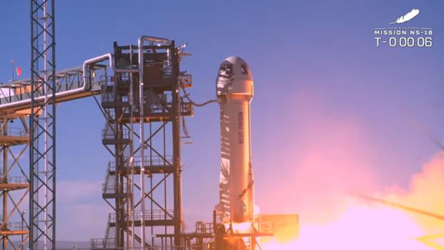 Il razzo New Shepard al decollo nel volo NS-18 (Immagine cortesia Blue Origin)