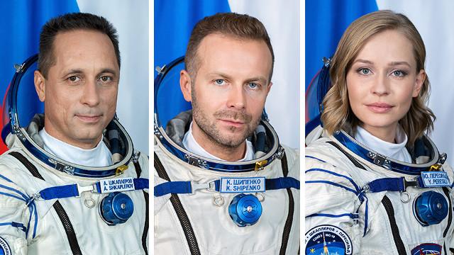 Anton Shkaplerov, Klim Shipenko e Yulia Peresild (Foto NASA)